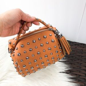 Mini fashion handbag.